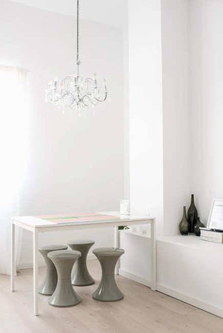 Lys-kreativ-skrivebord