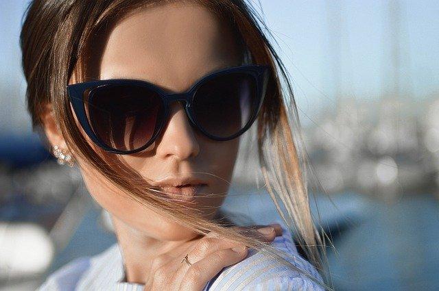 Vælg de rigtige solbriller til din ansigtsform